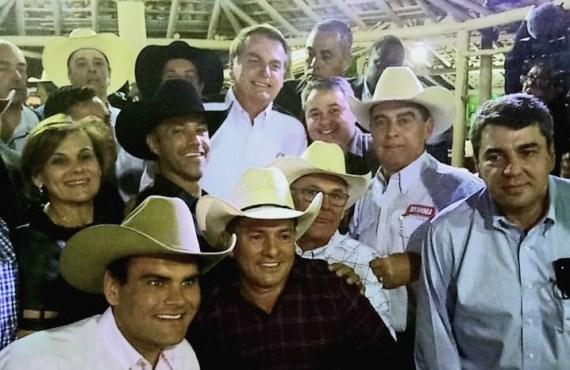 ABVAQ acompanha assinatura de decreto em Barretos-SP e agradece ao presidente Jair Bolsonaro pelo apoio a vaquejada